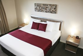 Executive Queen Room - Accommodation Hillcrest - Johnson Road Motel